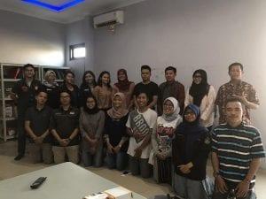 Foto bersama peserta belajar bareng